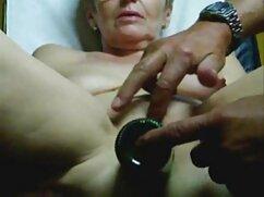 Una dama con un tatuaje en el muslo se sienta en el pene videos caseros mexicanos maduras de un chico en jeans